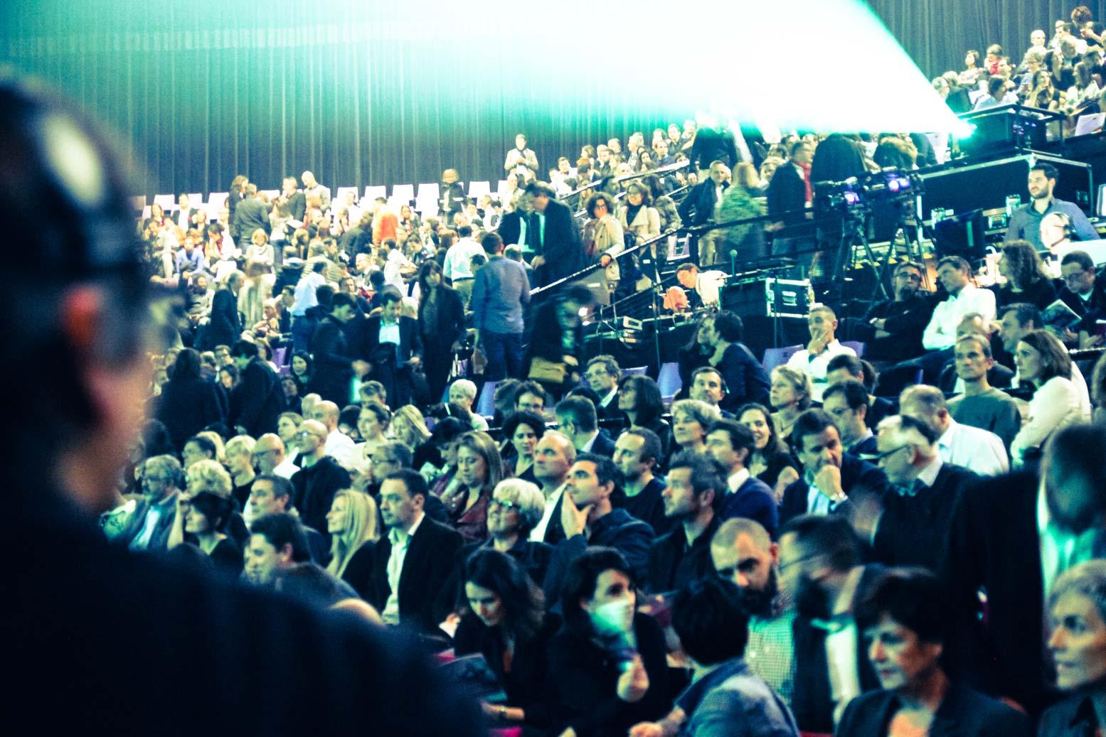 Premium CJD Pau Béarn, 2017. 1000 participants Iker Aguirre en ouverture, suivi du philosophe Raphaël Enthoven, présenté par Annie Lemoine.